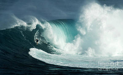 Photograph - Extreme Surfing Hawaii 9 by Bob Christopher