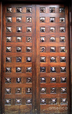 Photograph - Eyes Ears And Nose Door by John Rizzuto