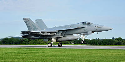 Photograph - F/a-18e Super Hornet by Dan Myers