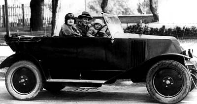 Csx Photograph - F. Scott Fitzgerald, His Wife Zelda by Everett