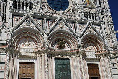 Marble Inlay Statues Photograph - Facade Of The Assumption Of Mary Cathedral In Siena Tuscany Ital by Reimar Gaertner