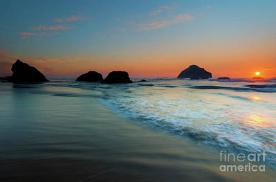 Photograph - Face Rock Sundown by Mike Dawson