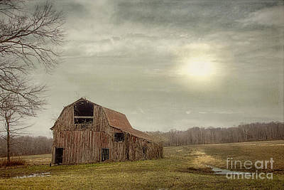 Washington Indiana Photograph - Faded Red Barn by Diane Enright