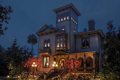 Photograph - Fairbanks House At Christmas by Paula Porterfield-Izzo