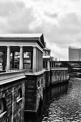 Fairmount Water Works In Black And White Art Print by Bill Cannon