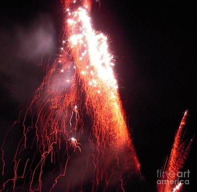 Red Fireworks Photograph - Fait In The Night by Vesna Antic