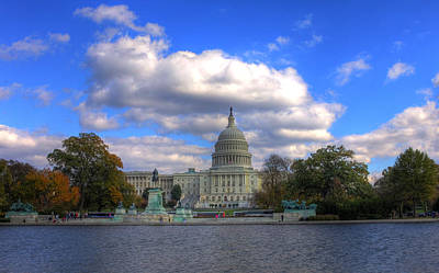Fall At The Capital Building Art Print