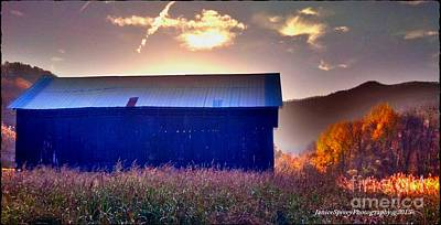 Photograph - Fall Barn by Janice Spivey