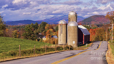 Photograph - Fall Foliage In Waitsfiield, Vermont. by New England Photography