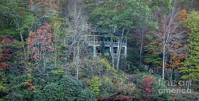 Photograph - Fall Mountain Home by Tom Claud