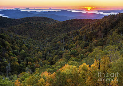 Photograph - Fall On The Blue Ridge Parkway. by Itai Minovitz