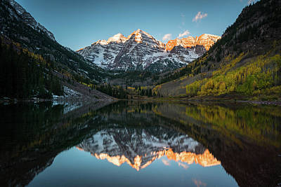 Photograph - Fall Sunrise At Maroon Bells by James Udall