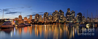 Photograph - False Creek Evening Glow by Terry Elniski