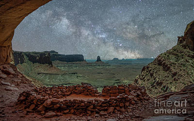 Photograph - False Kiva Milky Way by Robert Loe