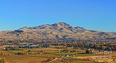 Photograph - Fantastic Squaw Butte by Robert Bales