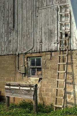 Hitchens Photograph - Farm Cat In Barn by Deb Buchanan