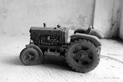 Photograph - Farm House Treasures Tractor by Nina Silver