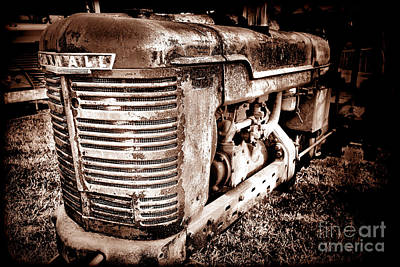 Photograph - Farmall H Grunge by Olivier Le Queinec
