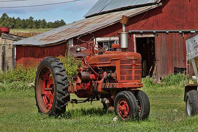 Photograph - 1952 Farmall Tractor by Alana Thrower