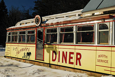 Photograph - Farmers Diner by James Kirkikis