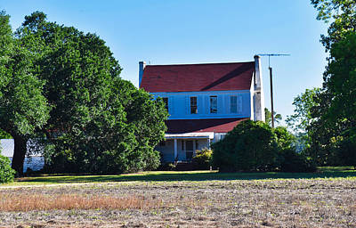 Photograph - Farmhouse by Linda Brown