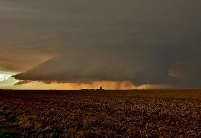 Photograph - Farmland Supercell by Ed Sweeney