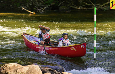 Photograph - Father And Daughter In A Whitewater Slalom Race by Les Palenik