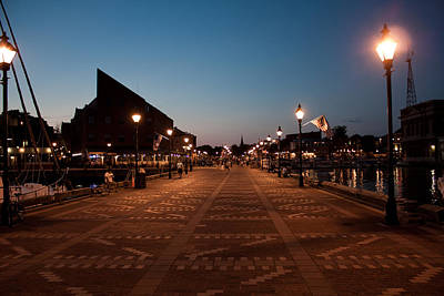 Fells Point Baltimore Maryland Photograph - Fells Point Lights by Elizabeth Richardson