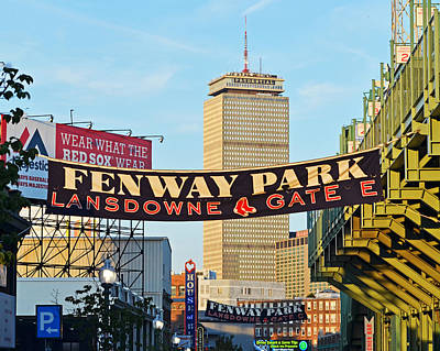 Photograph - Fenway Park Tote Bag by Toby McGuire