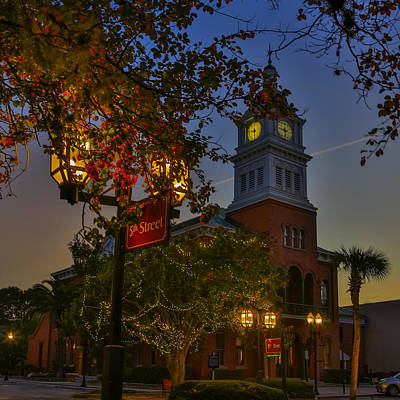 Photograph - Fernandina Beach Courthouse by Paula Porterfield-Izzo