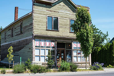 Photograph - Ferndale Book Shop by Tom Cochran