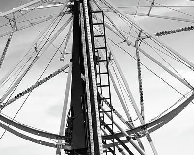 Wall Art - Photograph - Ferris Wheel by Giovanni Arroyo