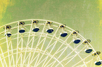 Photograph - Wonder Wheel Series 1 Green by Marianne Campolongo