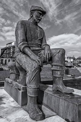 Photograph - Fiddler's Green Memorial by David Pringle
