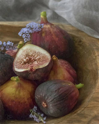 Photograph - Figs In A Wooden Bowl  by Teresa Wilson