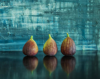 Photograph - Figs by Jonathan Nguyen