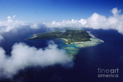 Fiji Aerial Art Print by Larry Dale Gordon - Printscapes