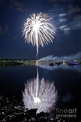 Photograph - Bristol Fireworks # 2 by Butch Lombardi