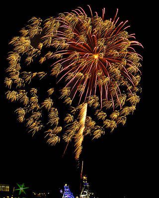 Art Print featuring the photograph Fireworks 10 by Bill Barber