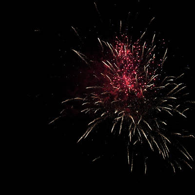 Photograph - Fireworks 2016 Iv by Suzanne Gaff