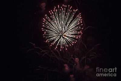 Digital Art - Fireworks 7/04/15 B by Georgianne Giese