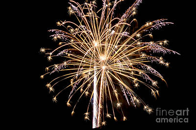 Digital Art - Fireworks 70415 by Georgianne Giese