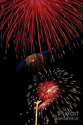 Photograph - Fireworks Display 4th Of July by Jim Corwin