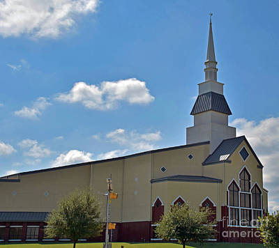 Photograph - First Baptist Church - Pflugerville Texas by Ray Shrewsberry