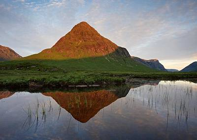 Photograph - First Light At Buachaille Etive Beag by Stephen Taylor