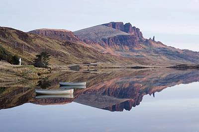 Photograph - First Light At Old Man Of Storr by Stephen Taylor