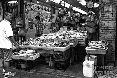 Photograph - Fish In Chinatown Mono by John Rizzuto