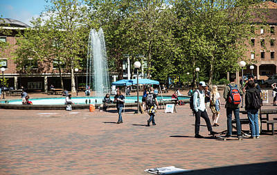 Photograph - Fisher Fountain by Tom Cochran