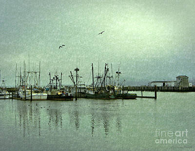 Photograph - Fishing Boats Columbia River by Susan Parish