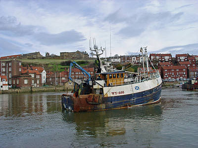 Ocean Photograph - Fishing Trawler Wy 485 At Whitby by Rod Johnson